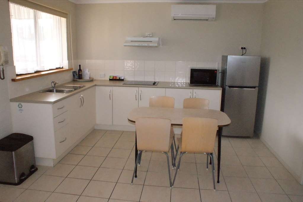 Best Western Apollo Bay Motel and Apartments - 2 Bedroom Apartment - 1 King bed and 1 Queen bed - Kitchenette