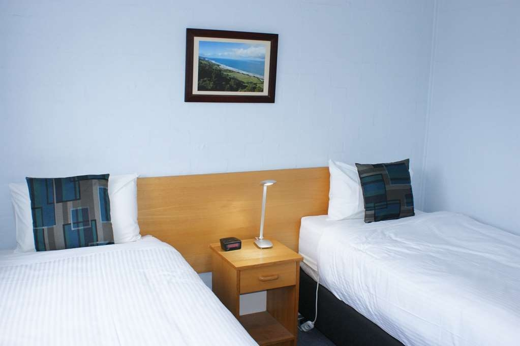 Best Western Apollo Bay Motel and Apartments - 2 Bedroom Apartment - 1 King bed and 2 Single beds - Single beds