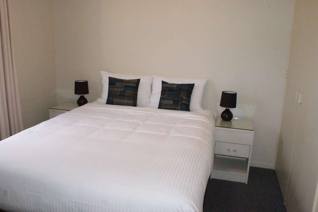 Best Western Apollo Bay Motel and Apartments - 2 Bedroom Self Contained Apartment – 1 King, 1 Queen and 1 Bunk bed
