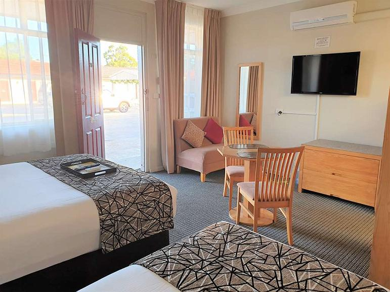 Hotel In East Maitland Best Western Endeavour Motel