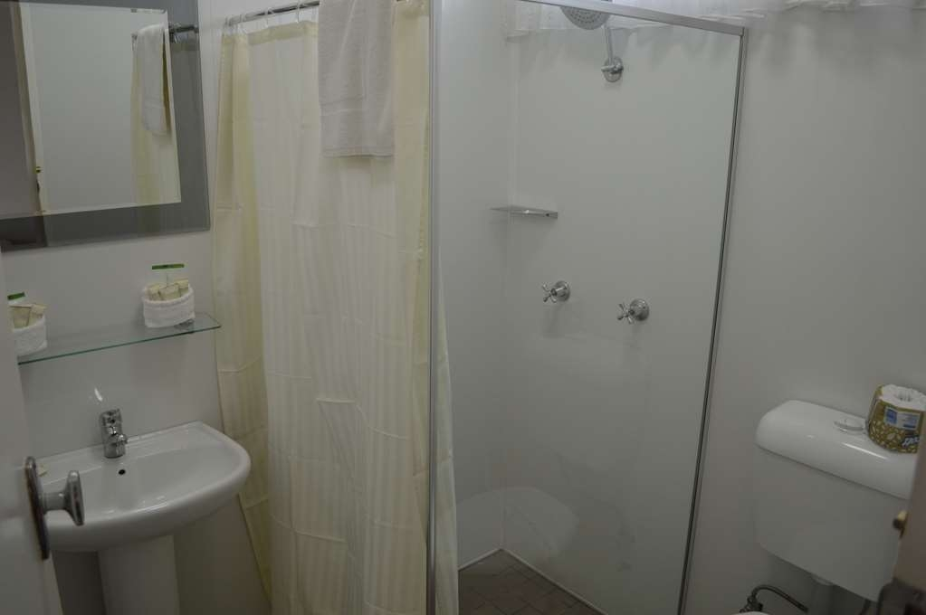 Best Western Endeavour Motel - Executive Queen Bathroom