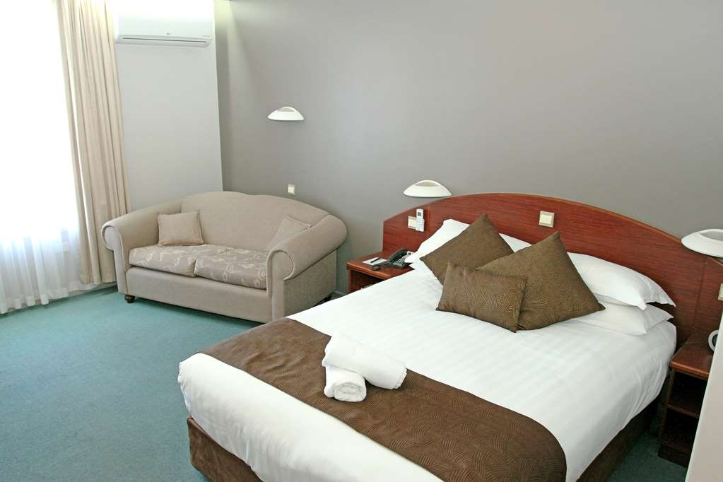 Best Western Hospitality Inn Esperance - Executive Queen Room