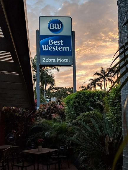 Best Western Zebra Motel - Aussenansicht
