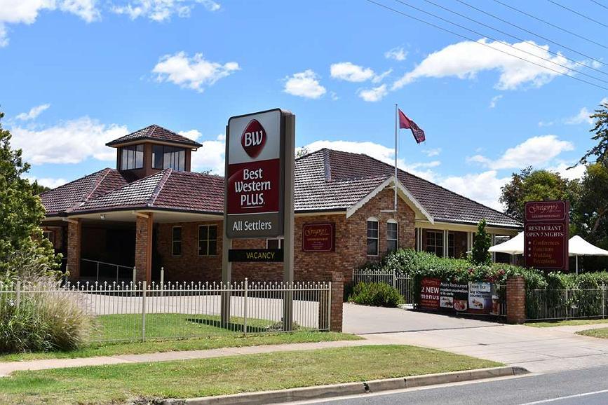 Best Western Plus All Settlers Motor Inn - Vista exterior