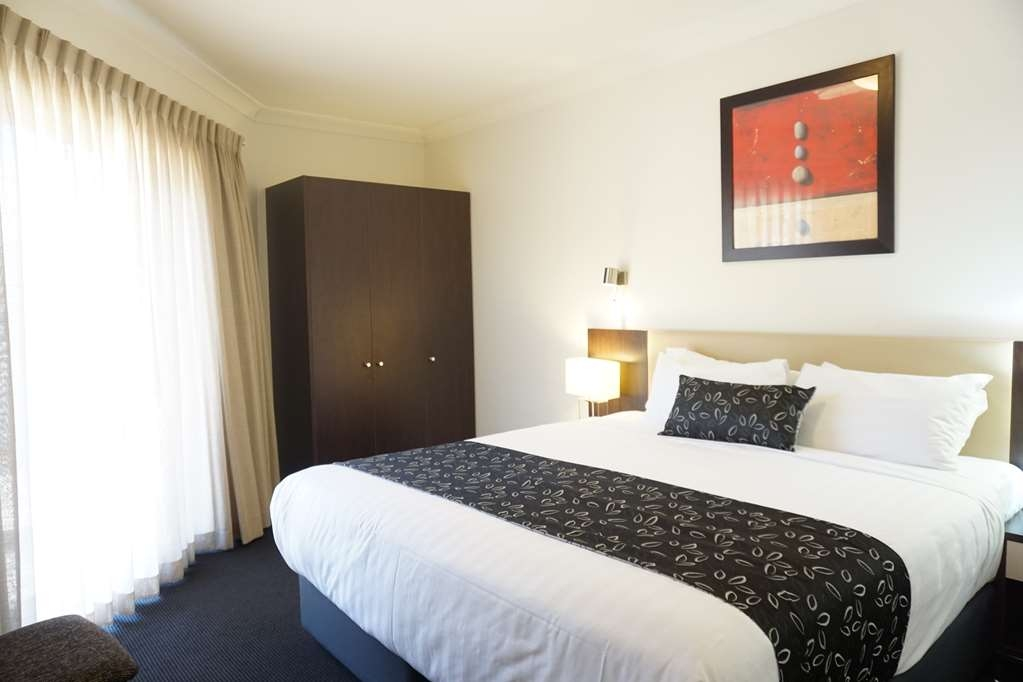 Best Western Plus Charles Sturt Suites & Apartments - Suite