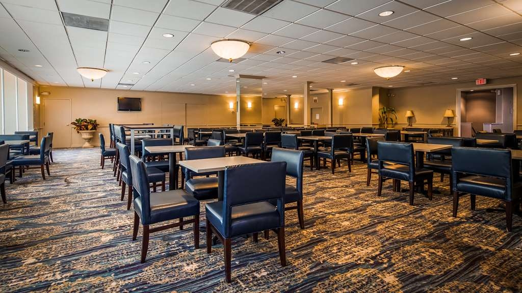 Best Western Pentagon Hotel - Reagan Airport - Breakfast Area