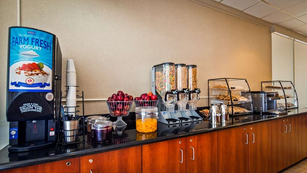 Best Western Pentagon Hotel - Reagan Airport - Breakfast
