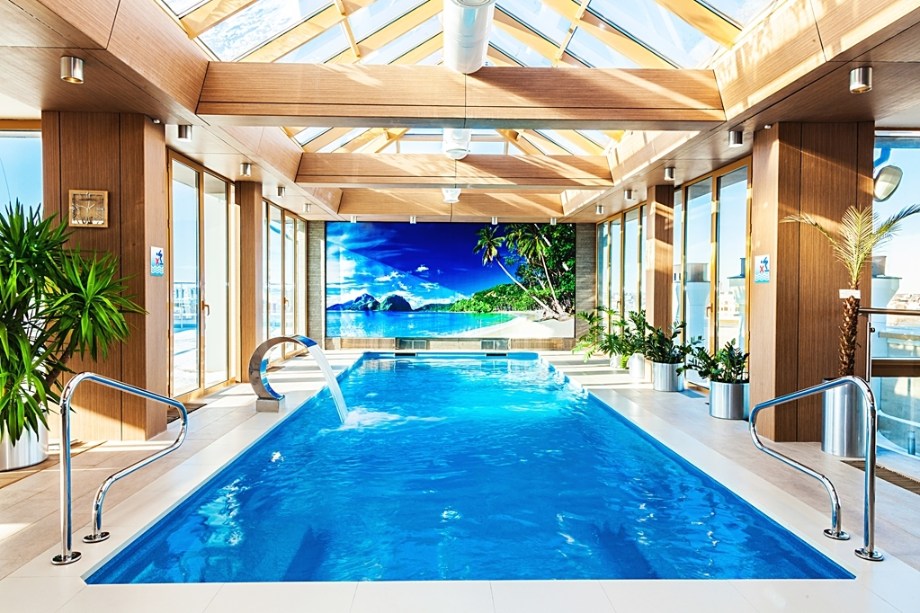 Best Western Russian Manchester Hotel - Vue de la piscine