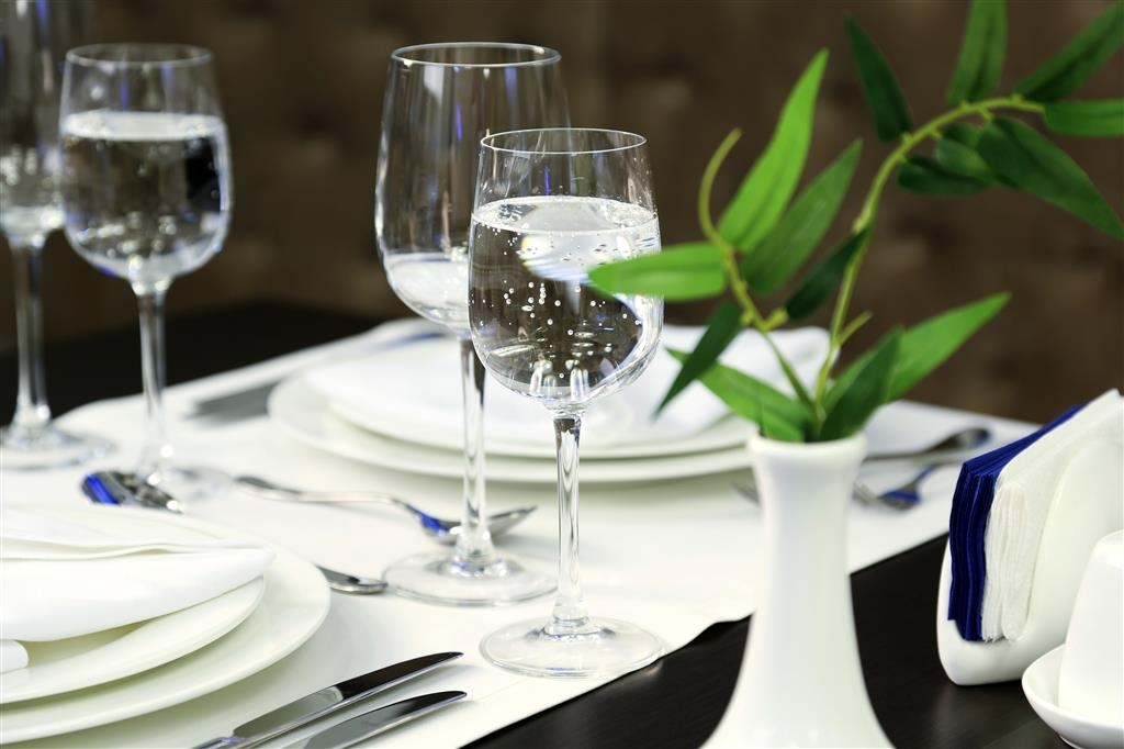 Best Western Kaluga Hotel - Welcome to 'Best Western' Restaurant. Our a la carte menu comprises a large selection of meals from Russian and European cuisine.