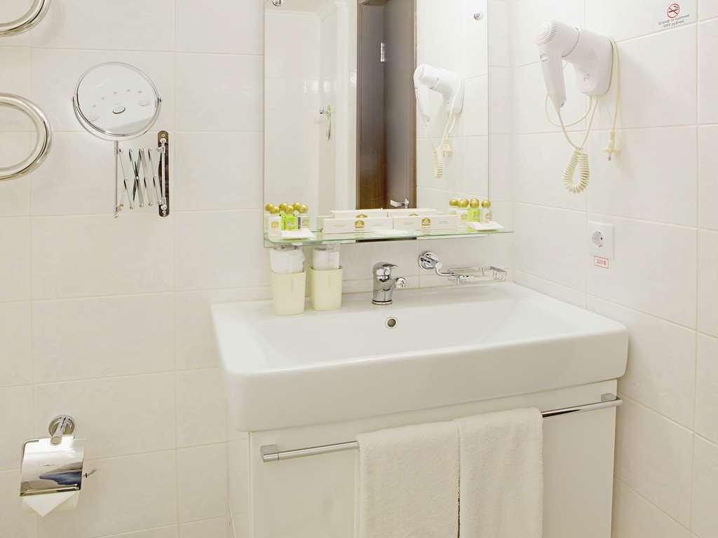 Best Western Kaluga Hotel - Guest Room Bathroom