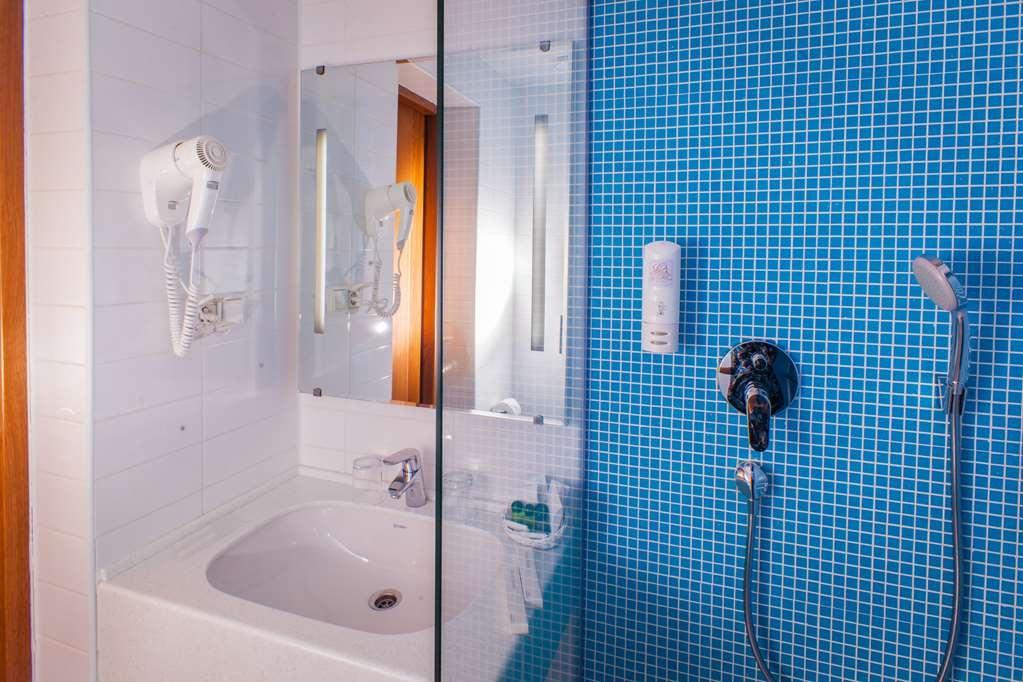 Best Western Plus Centre Hotel - Salle de bain