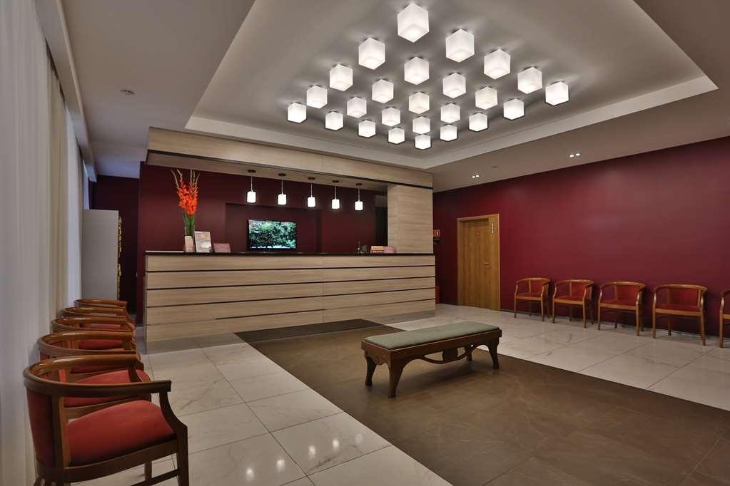 Best Western Plus Centre Hotel - Vue du lobby