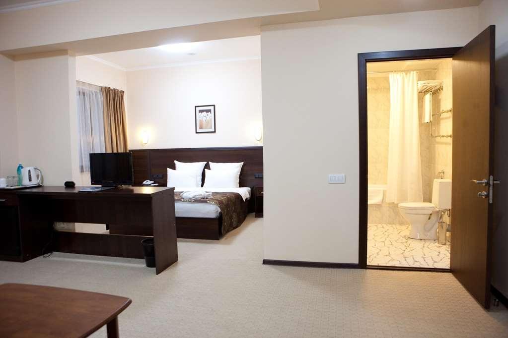 Best Western Plus Atakent Park Hotel - Suite, Living Room