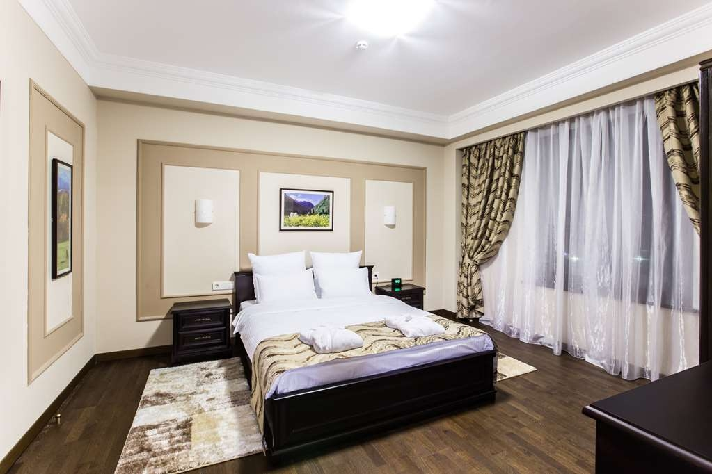 Best Western Plus Atakent Park Hotel - Apartment Living Room