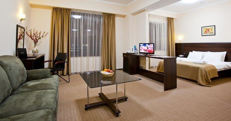 Best Western Plus Atakent Park Hotel - Suite One Queen Bed