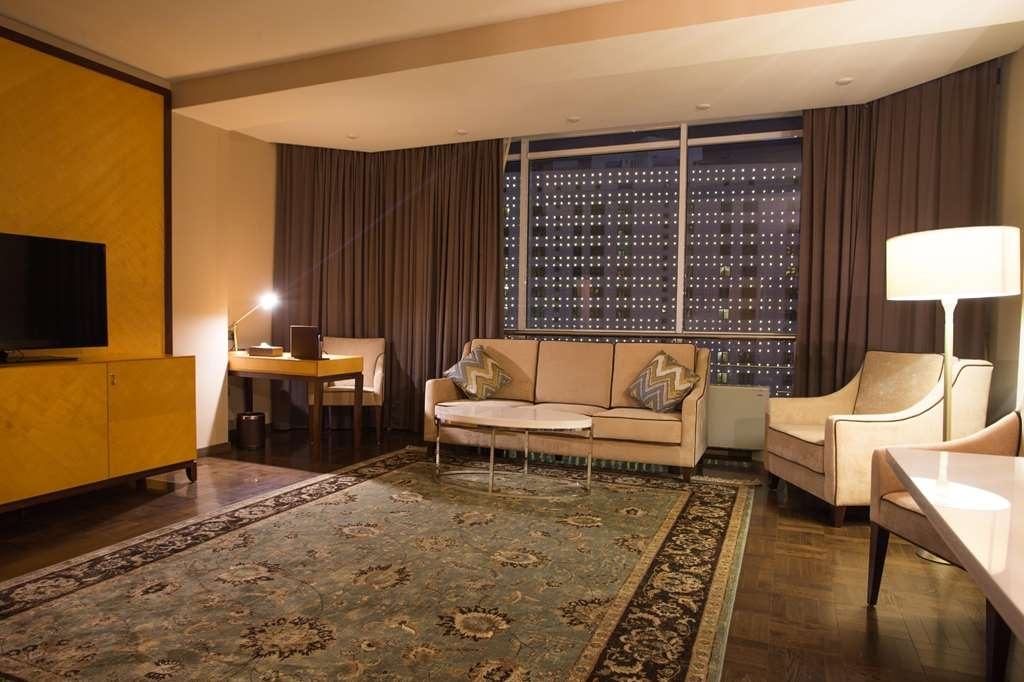 Best Western Plus Astana - Executive Apartment - 2 Bedroom apartment; 1 King bed, Living room