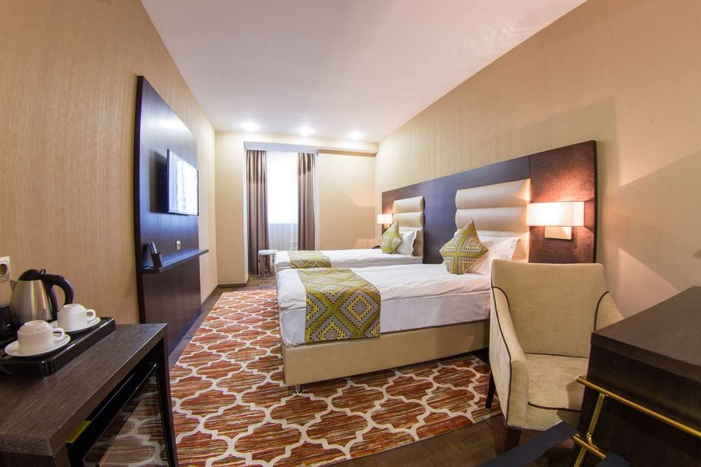 Best Western Plus Astana - Guest Room with Two Single Beds