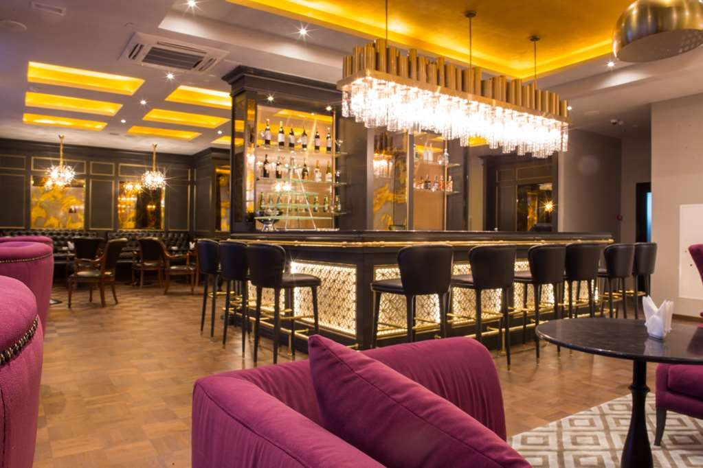 Best Western Plus Astana - Emerald Restaurant and Lounge