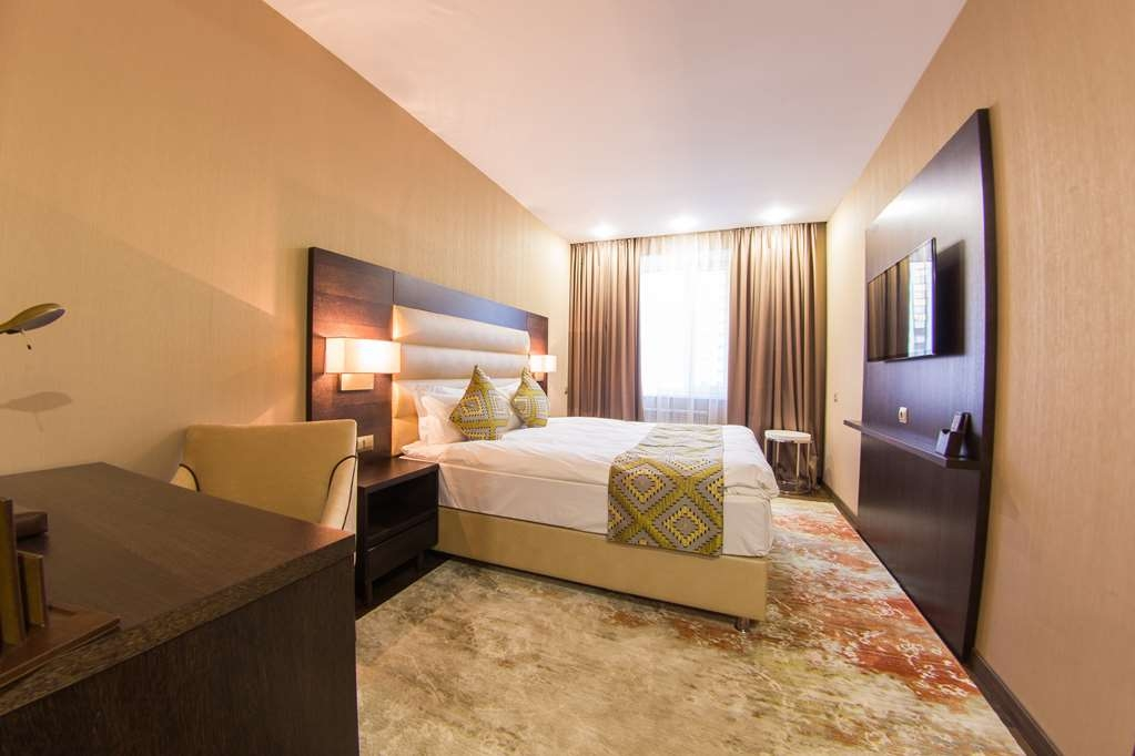 Best Western Plus Astana - Standard Room with One Queen Size Bed