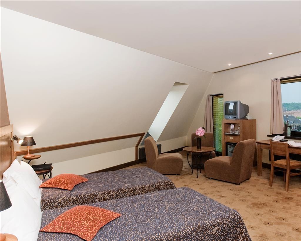 Best Western Santakos Hotel - Standard Two Twin Bed Guest Room
