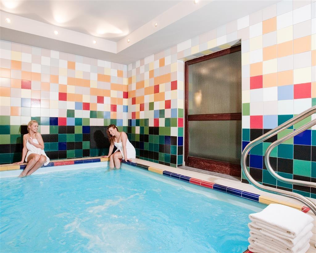 Best Western Santakos Hotel - Schwimmbad