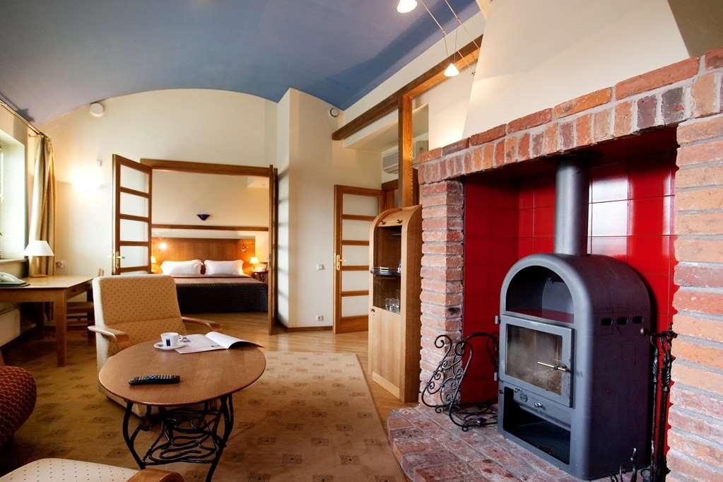 Best Western Santakos Hotel - King Suite