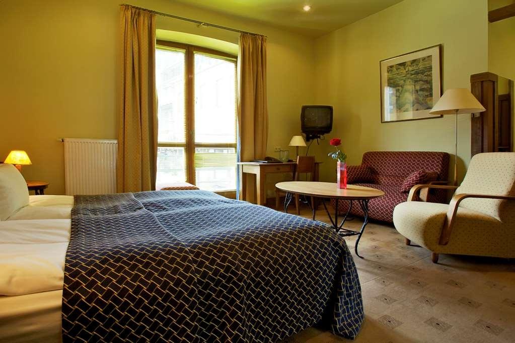 Best Western Santakos Hotel - King Bed Guest Room
