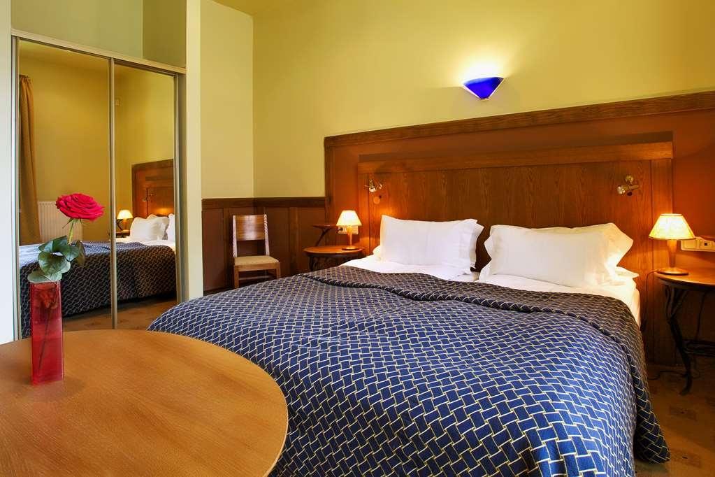 Best Western Santakos Hotel - Two Twin Bed Guest Room