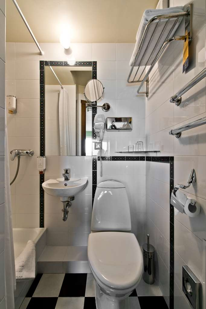 Best Western Vilnius - Economy Single Room Bathroom