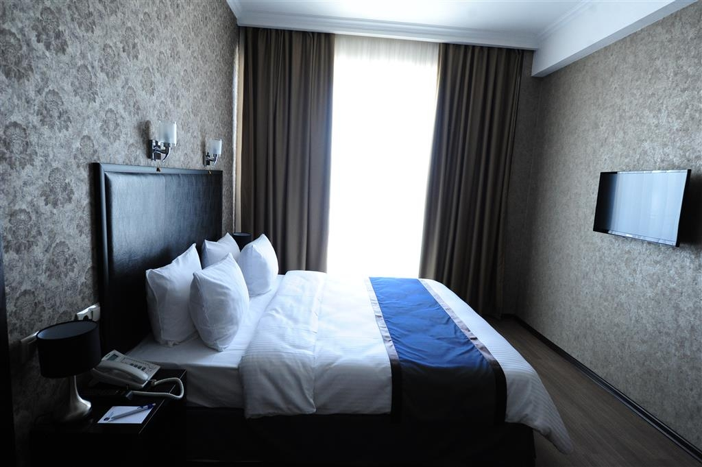 Best Western Tbilisi Art Hotel - Superior King Guest Room