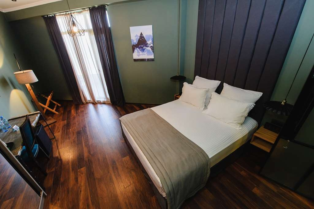 Best Western Plus Batumi - Standard Sea View Room with King Size Bed