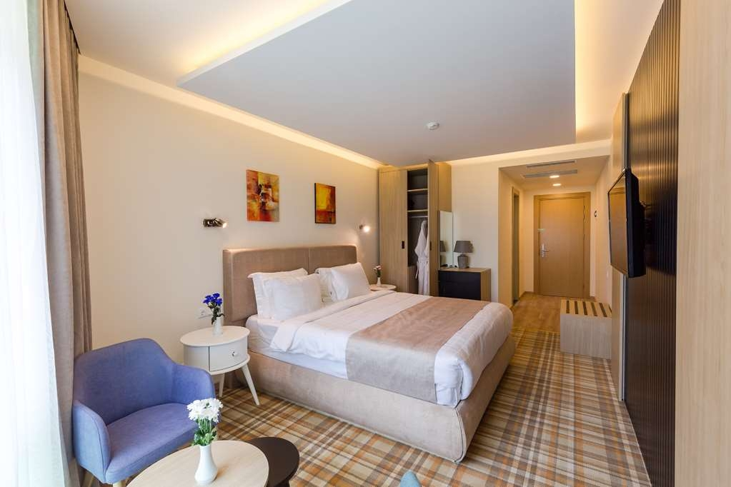 Best Western Premier Batumi - Standard Room with One King Size Bed
