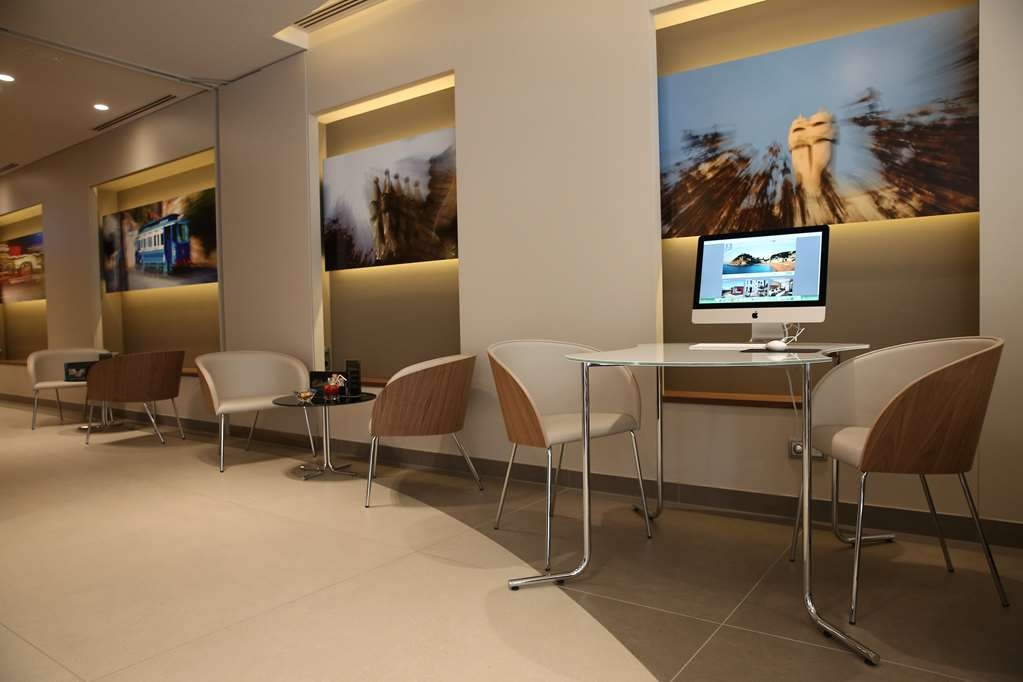 Best Western Premier Hotel Dante - After a busy day enjoying Barcelon, return to the hotel and relax.