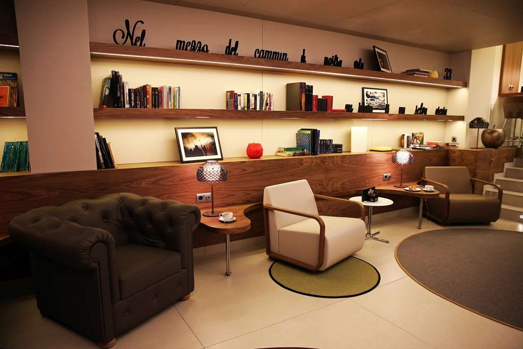 Best Western Premier Hotel Dante - The best place to relax is our library.