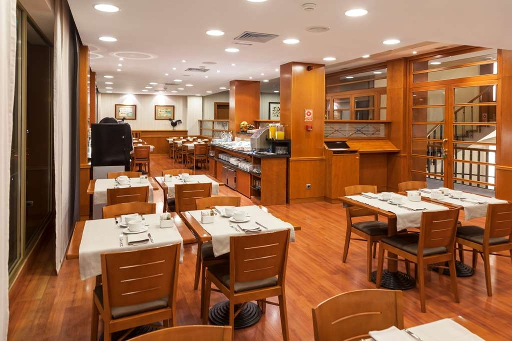 Best Western Premier Hotel Dante - Kick-start your morning with a buffet breakfast at the Best Western Premier Hotel Dante