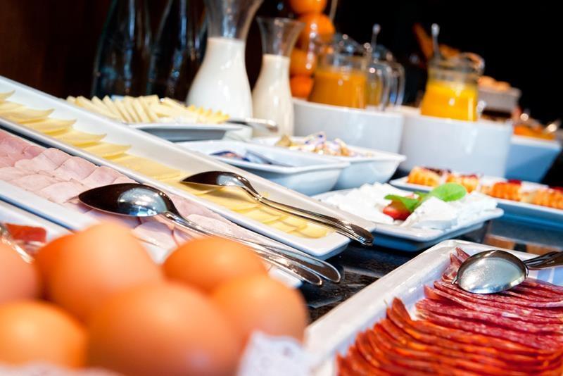 Best Western Plus Hotel Alfa Aeropuerto - Frühstücksbuffet