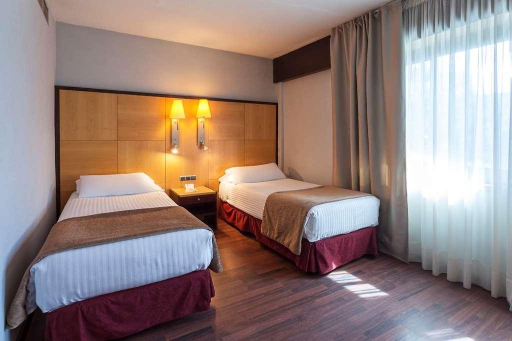 Best Western Hotel Mediterraneo - Habitaciones/Alojamientos