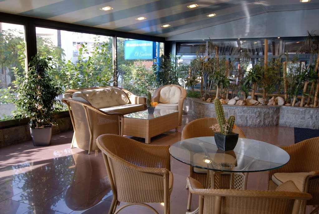 Best Western Hotel Mediterraneo - Vista del vestíbulo