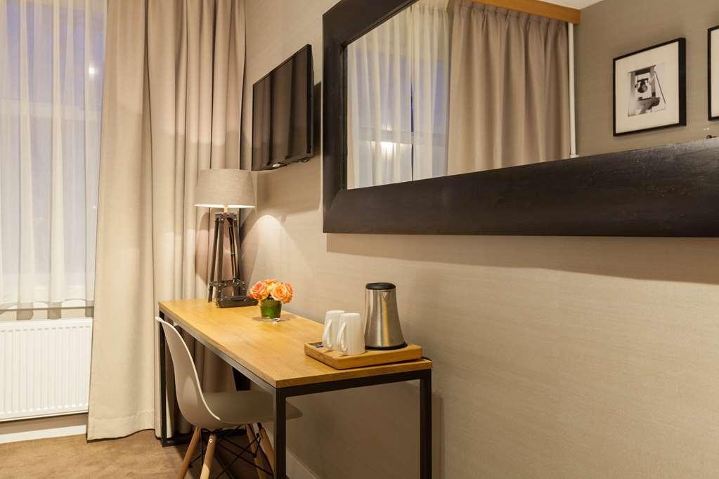 Best Western Delphi Hotel - Guest room