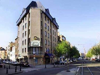 Best Western Hotel Chamade - Best Western Hotel Chamade is ideally located near the train station and has a tram stop in front of the hotel.