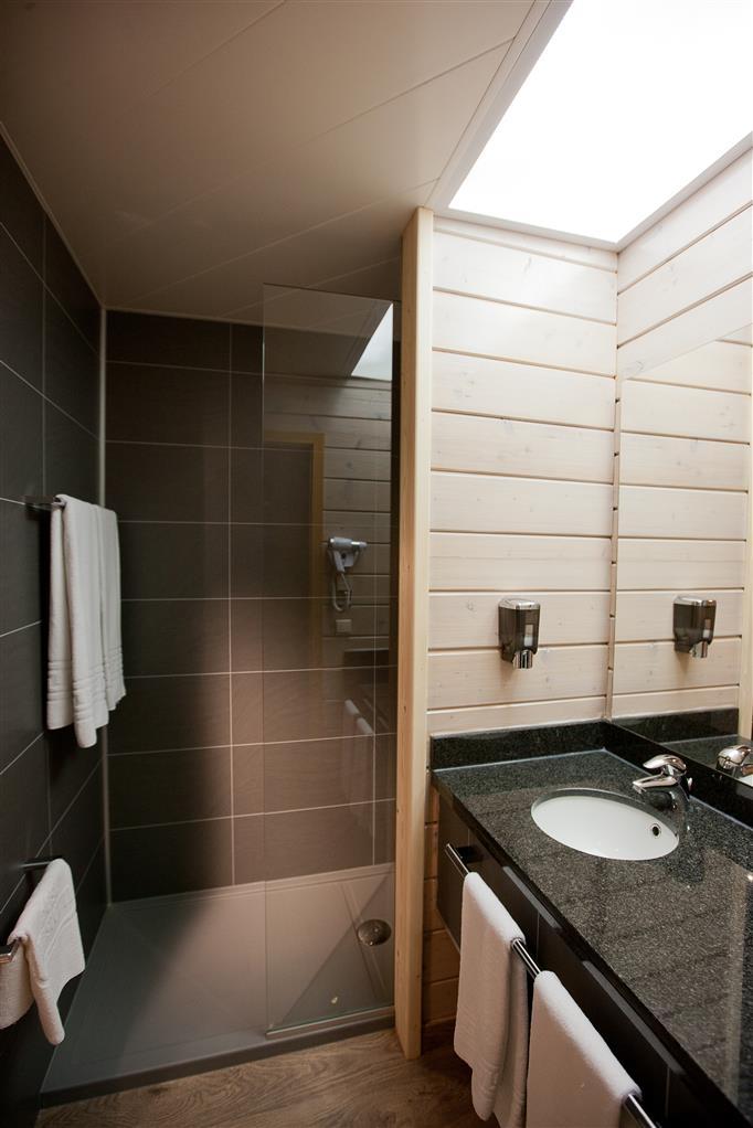 Best Western Flanders Lodge - Cuarto de baño de clientes