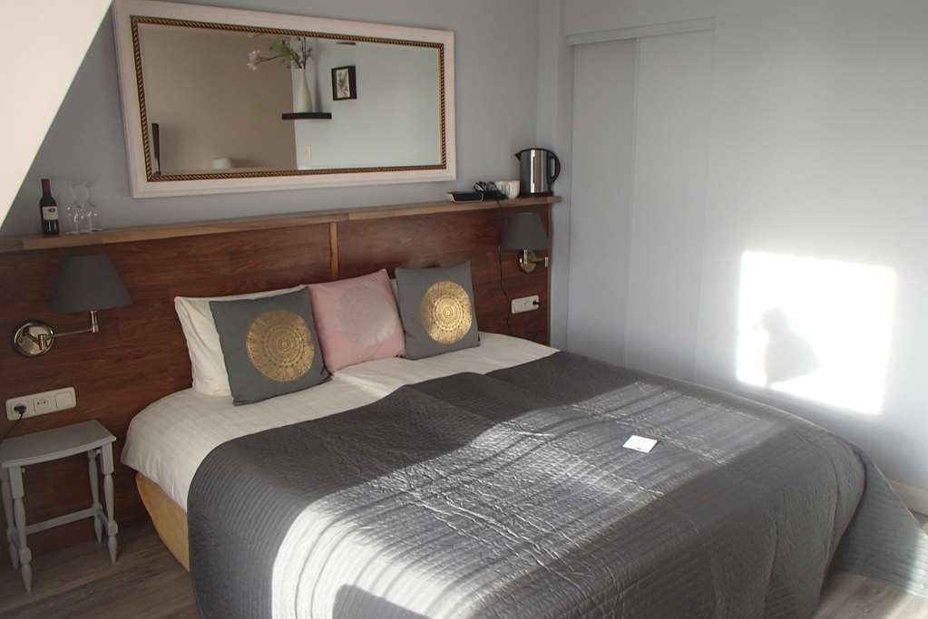 Best Western Hotel Den Haag - Small Family Room 2 Twin Beds, Extra Bed