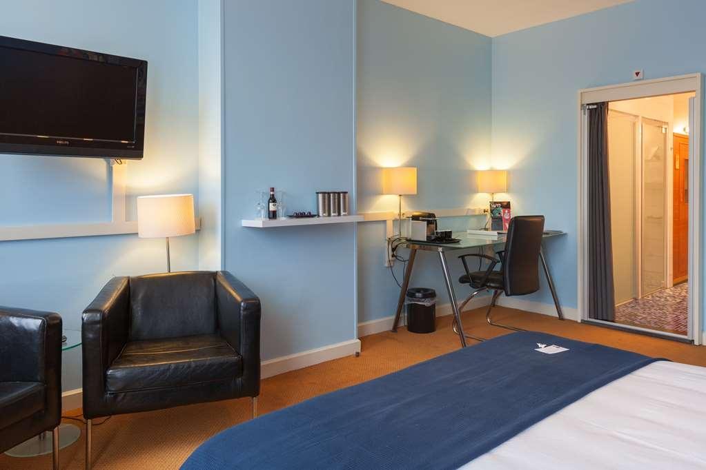 Best Western Hotel Den Haag - Bedroom Junior Suite