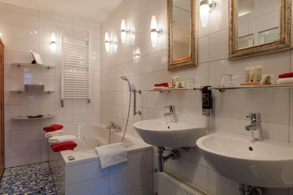 Best Western Hotel Den Haag - Bathroom Junior Suite