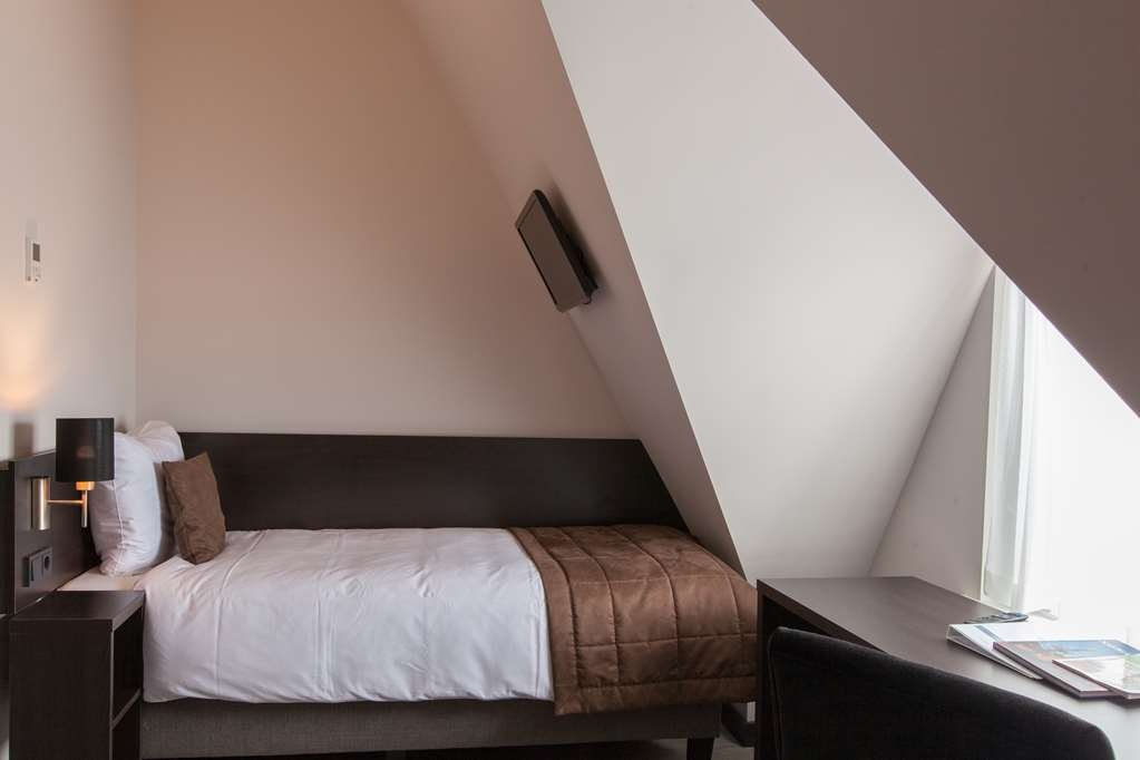 Best Western Hotel Den Haag - Small One Single Bed Guest Room