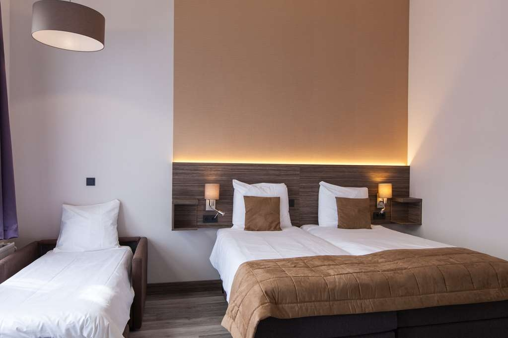 Best Western Hotel Den Haag - Three person Family Room