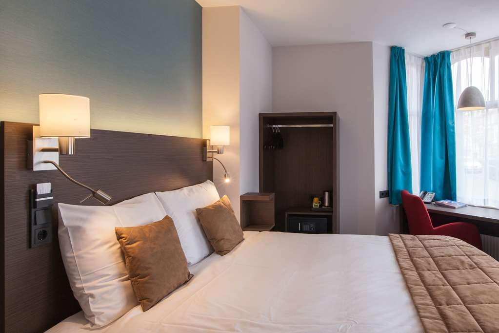 Best Western Hotel Den Haag - Kingbed Guest Room