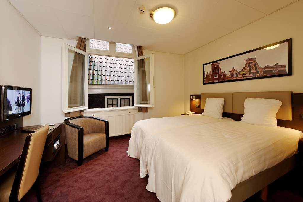 Best Western Dam Square Inn - Two Twin Bed Guest Room