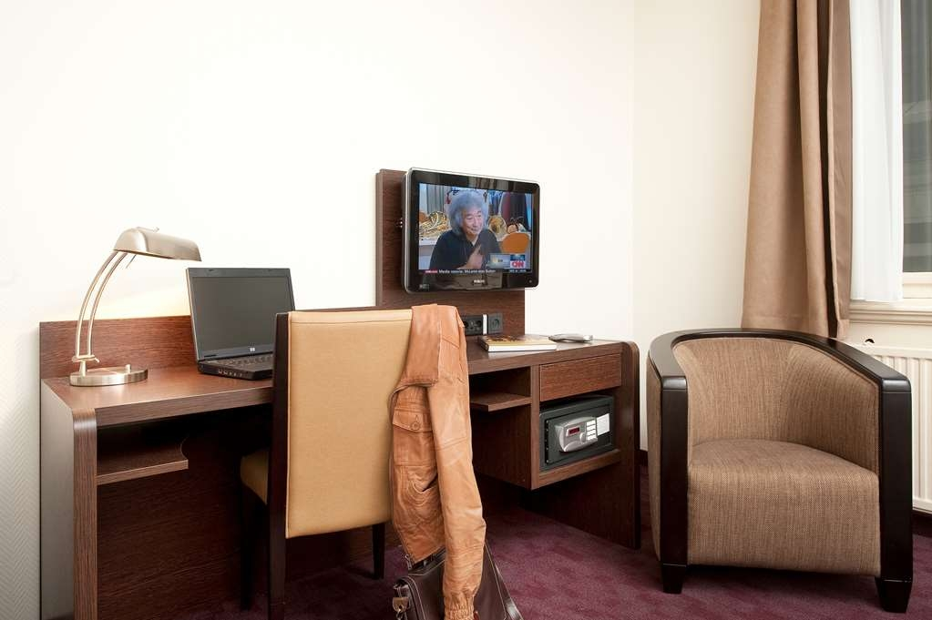Best Western Dam Square Inn - Guest Room