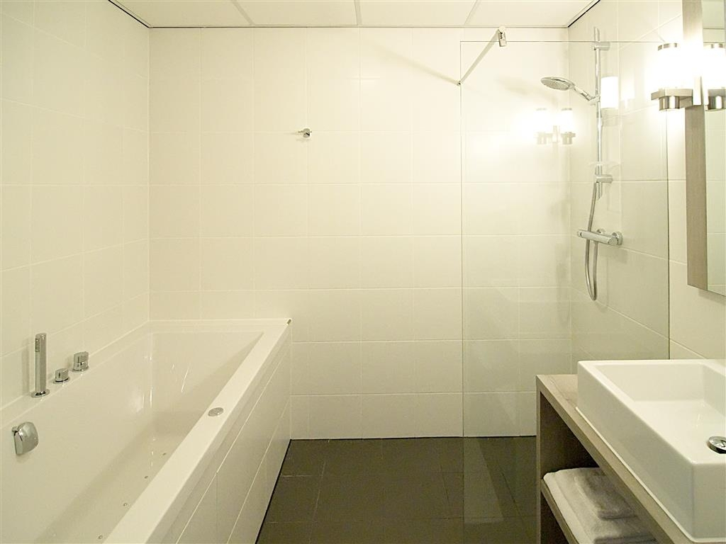 Best Western Plus Hotel Restaurant Aduard - Guest Bathroom